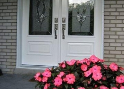 double-doors-white-with-plated-black-chrome-caming